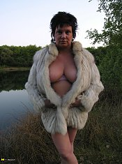 Big titted mama loves getting nasty outside