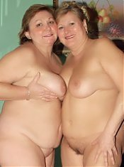 Fat older babes Anna and Yolanda naked in the kitchen and having lesbian oral sex